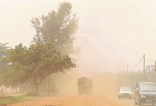 bauxite dusty air kuantan. Image from NST