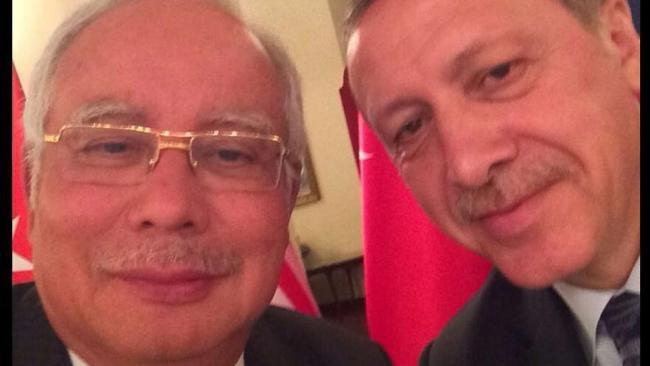 With Turkish PM Erdogan. Image from @NajibRazak