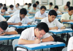 Fear not, SPM takers, all stats indicate that most of you sure can pass! Image from thestar.com.my