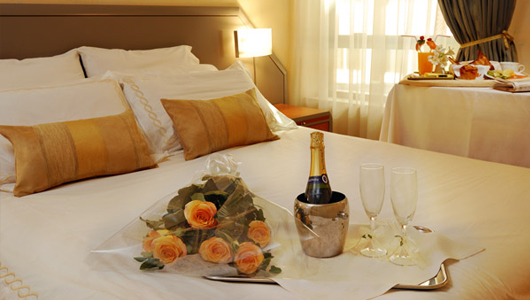 Hotel rate V Day. Image from Blossom Planners.