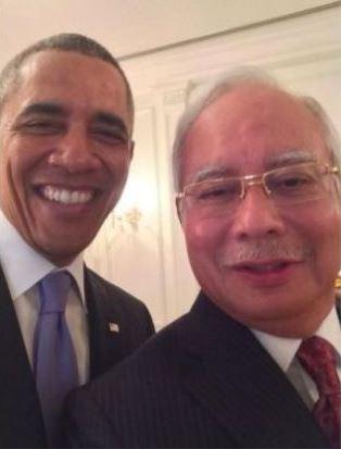 Obama Najib selfie. Image from The Star.