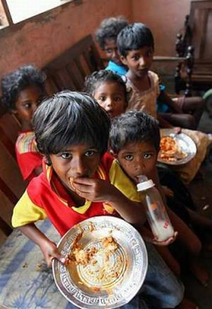 One of the families they feed. Image from The Star