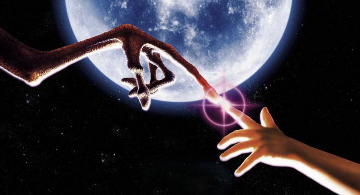 et finger touch moon