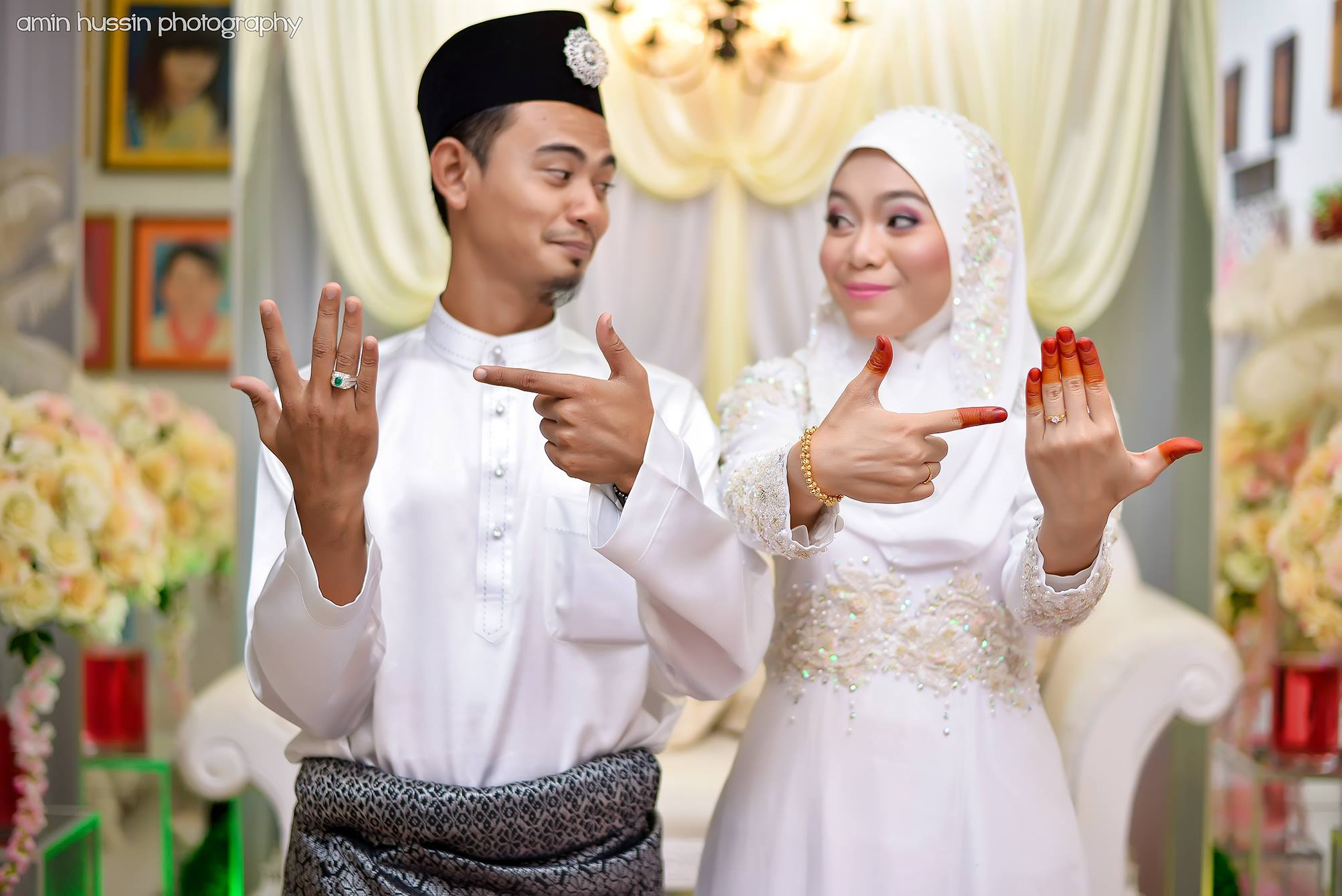 puzzling things that only happen in Malaysian Malay weddings ...