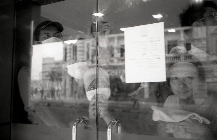 people taking refuge in McDonalds during Bersih. Image from FB