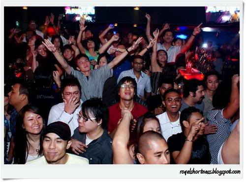 """And a few minutes later when """"Grenade"""" comes on! Imave via joshuaongys.com"""