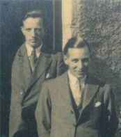 Ian Fleming on the left, and MI6 agent, Denis Emerson-Elliot on the right. Image via LynetteSilver.com