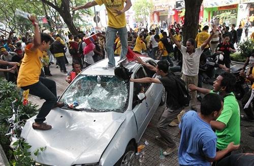 bersih-police-car