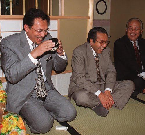 「anwar ibrahim mahathir」的圖片搜尋結果