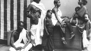 La Familia India. Indian family in Colonial Singapore courtesy of The Library of Congress.