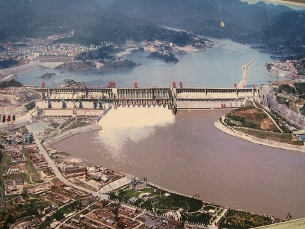 three gorges dam china. Image from eoearth.org.