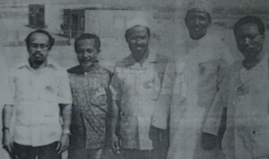Ibrahim on the left with some friends. Pic from The Malaysian Insider