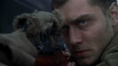 Jude Law as Vasily Zaytsev in 'Enemy At The Gates' (2001). Image from: Gormogons.com
