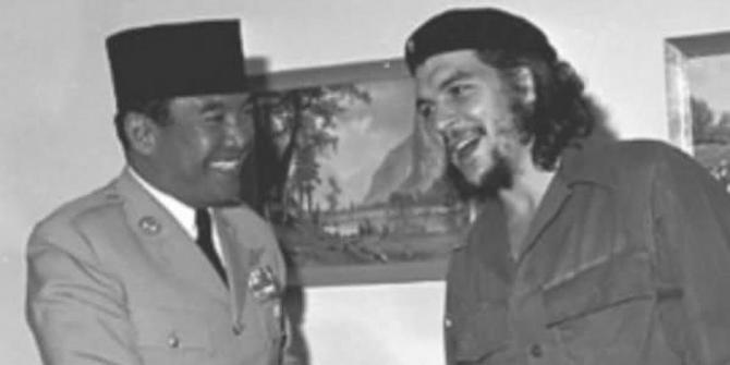 Sukarno was best buddies with Che Guevara?! Who knew? Image from merdeka.com