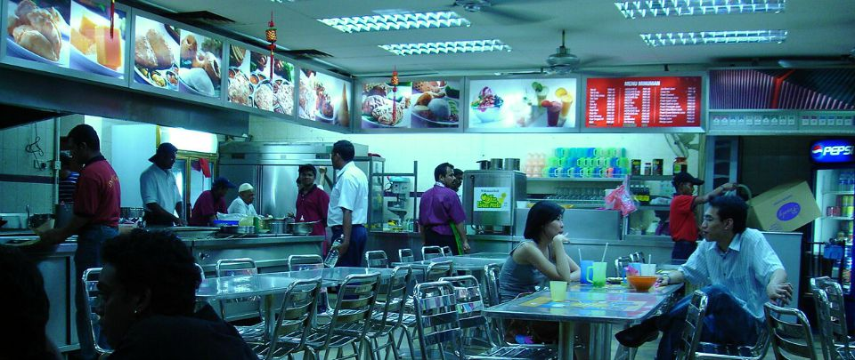 The imaginary scene could have taken place in this mamak. Image via bfm.my