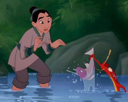 mulan-mushu-give-fish