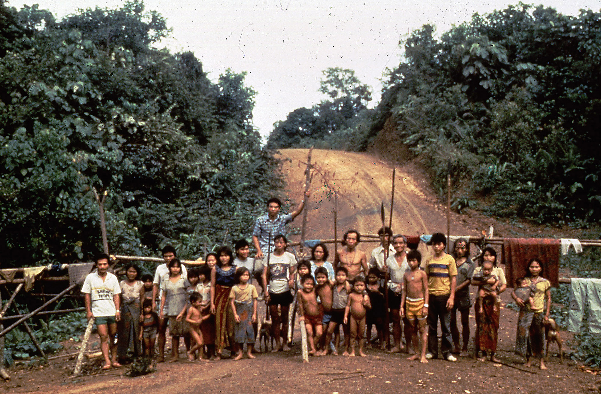 A Penan blockade in the 1980s. Image from Bruno Manser Fonds
