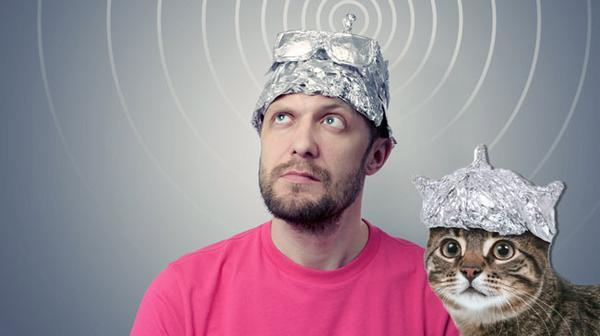 That's why 'tin foil hats' are a thing. (So aliens can't read your minds.) Photo from casinogrounds.com