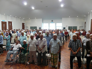 The turnout at a roadshow by another veteran group, the Kumpulan Veteran Tentera Tidak Berpencen 1 Malaysia (KVTTB). Source