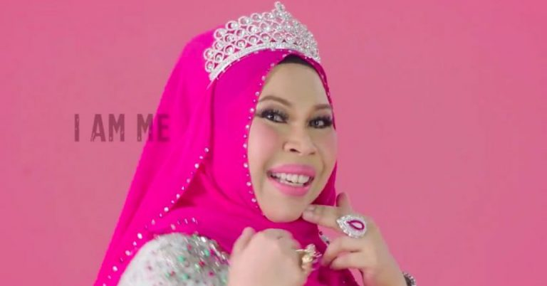 I'm a Datuk... I'm a Seri... I am I am I am I am a Datuk Seri. Img from theHive.