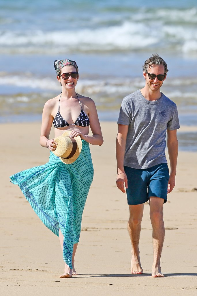 anne hathaway sarong