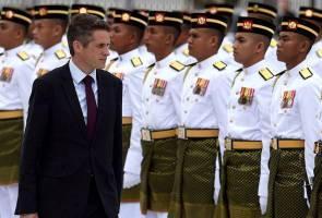 Gavin Williamson, UK's Defence Minister, on his recent visit to Malaysia. Img from Astro Awani.