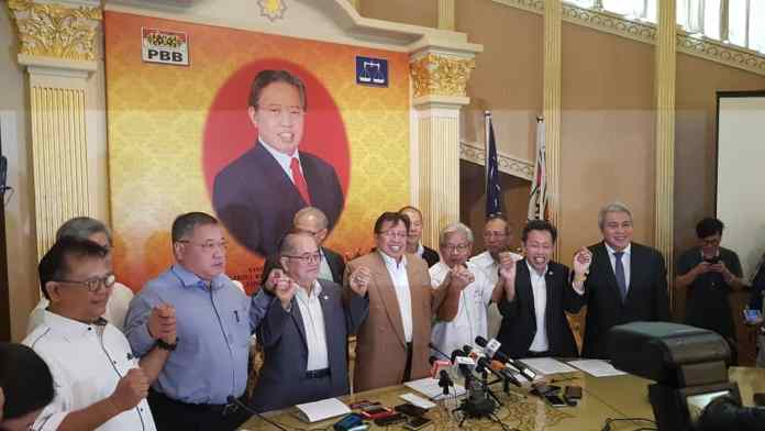 The leaders of the Sarawak-based parties during the announcement of the Gabungan Parti Sarawak. Image from Sarawak Voice