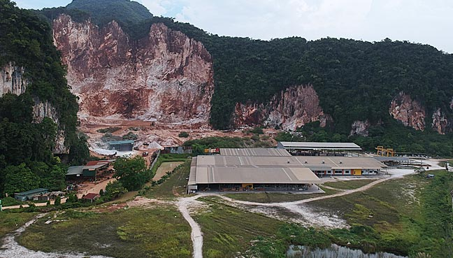 Some of the quarries that can be seen from the PLUS Highway. Img from FMT.