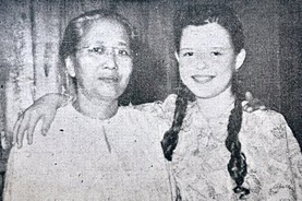 With Che Aminah. Image from kopidangula