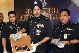 The Glock 19 gun that was also used in 3 other incidents. Image from Orang Muda TV.