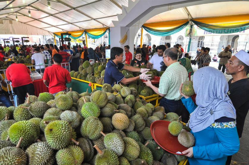 A durian festival in Penang. Img from RojakDaily.