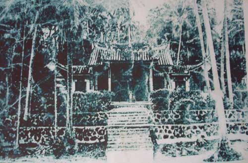 The Snake Temple before it had any major renovation work done. Image from pulau-pangkor.com