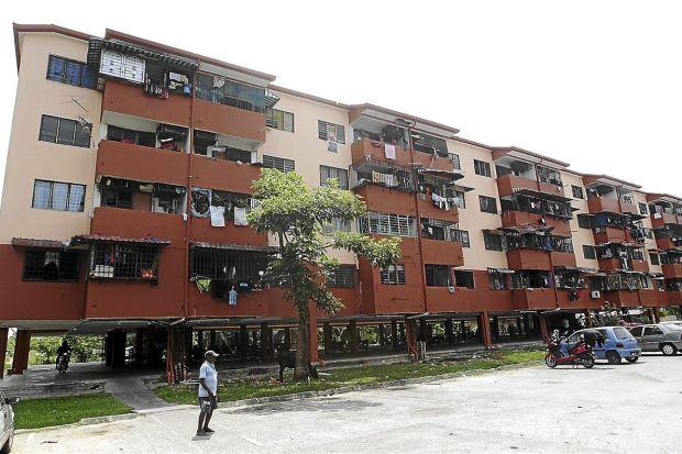 Taman Permata flats in Dengkil. Image from The Star.