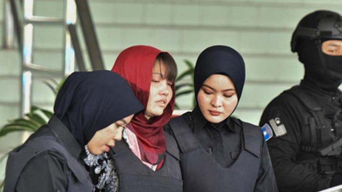 Doan leaving the Shah Alam Court on Thursday, after the court rejected her application. Img from TribunBatam.