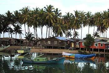 Fishermen's houses. Img from Perak Today