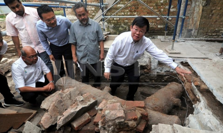Cannon found in Fort Cornwallis. Img from Berita Harian