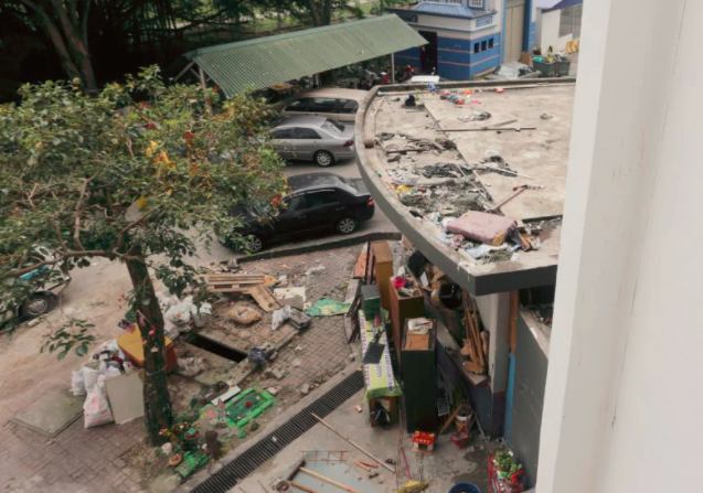 It's common to throw rubbish from upper floors at PPRs. Img from NSTP.