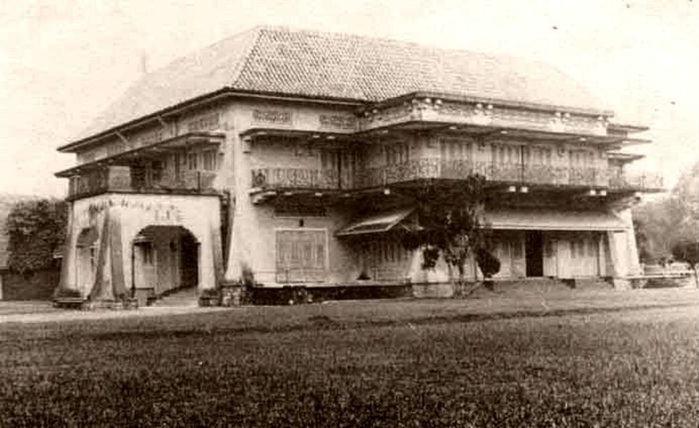 An old photo of Istana Woodneuk. Image from Bloomberg
