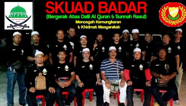 Random uncles in black shirts, hokay? Img from PerakToday.