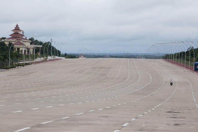 Naypyidaw's 20-lane highyway during rush hour. Just kidding, there is no rush hour in Naypyidaw. Image from: Independent