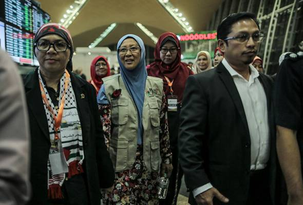 Dr. Fauziah Mohd Hasan, a Malaysian doctor detained by Israeli authorities while on a mission to Palestine. She was later released. Image from: Astro Awani