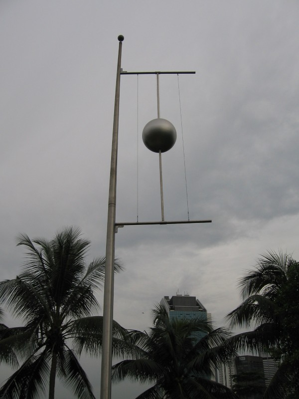 The time ball has now become a tourist attraction in Singapore. Image from Wikimedia