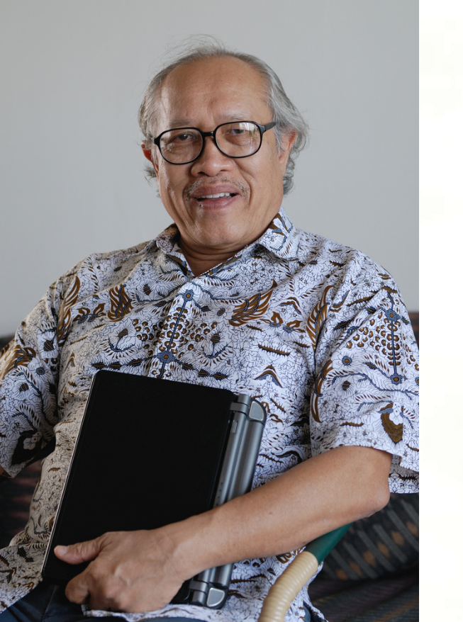 Prof Dr Muhammad Haji Salleh. Img from bookcafe.com.my